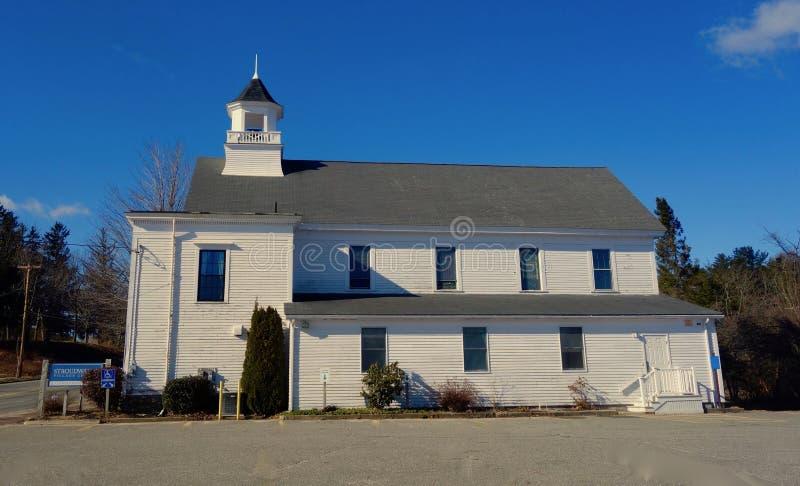 Stary biały clapboard Nowa Anglia kościelny Południowy Portlandzki Maine Kwiecień 1, 2019 obraz royalty free