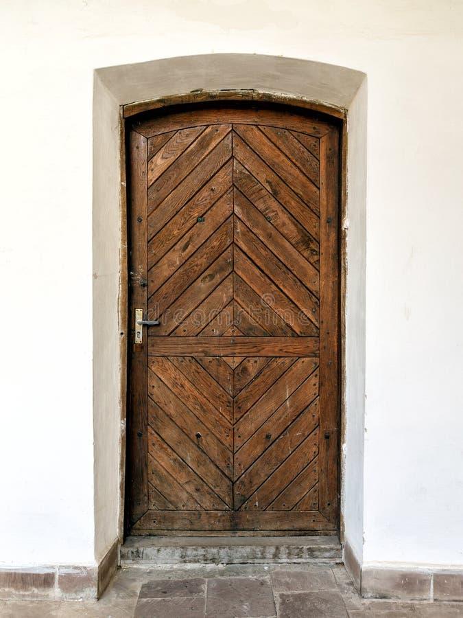 Stary brown drewniany drzwi zdjęcie stock