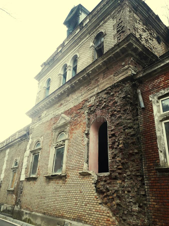 Stary buduje Romania herculane& x27; s wodna rezerwa fotografia stock