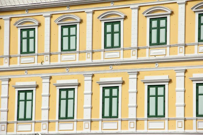 Download Stary Budynku Zielonego Koloru Nadokienny Projekt Obraz Stock - Obraz złożonej z retro, architektury: 41950947