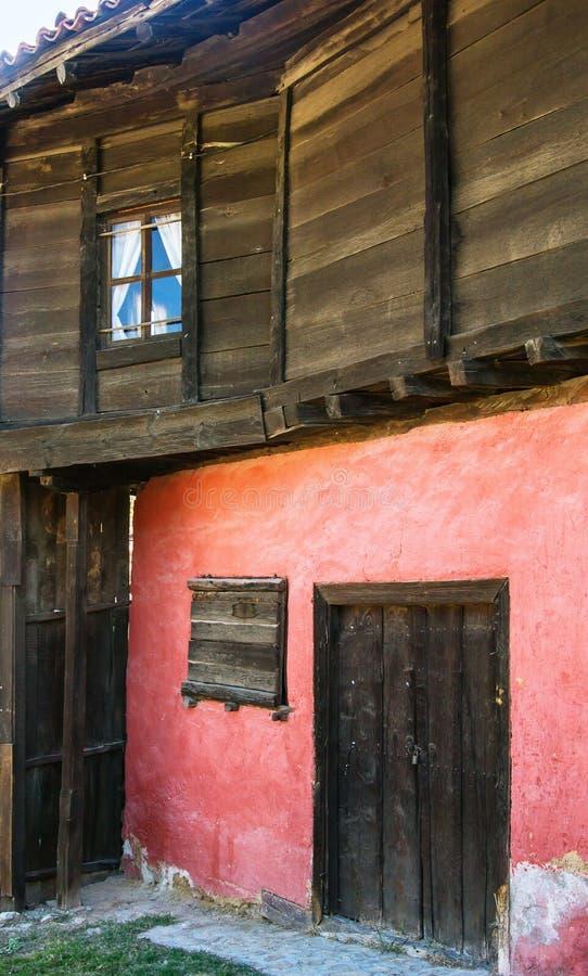 Stary bulgarian dom w etnograficznej wiosce Koprivshtitsa obrazy royalty free