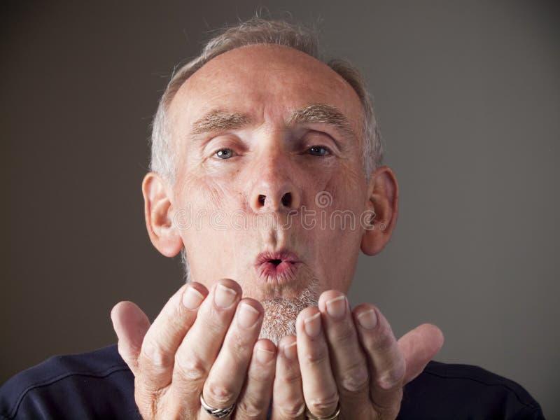 stary buziaka podmuchowy mężczyzna obrazy royalty free