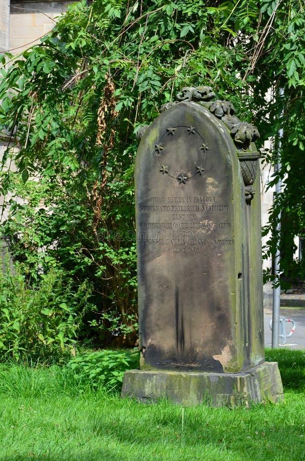 Stary cemetry w sercu miasto Kassel, Niemcy fotografia royalty free