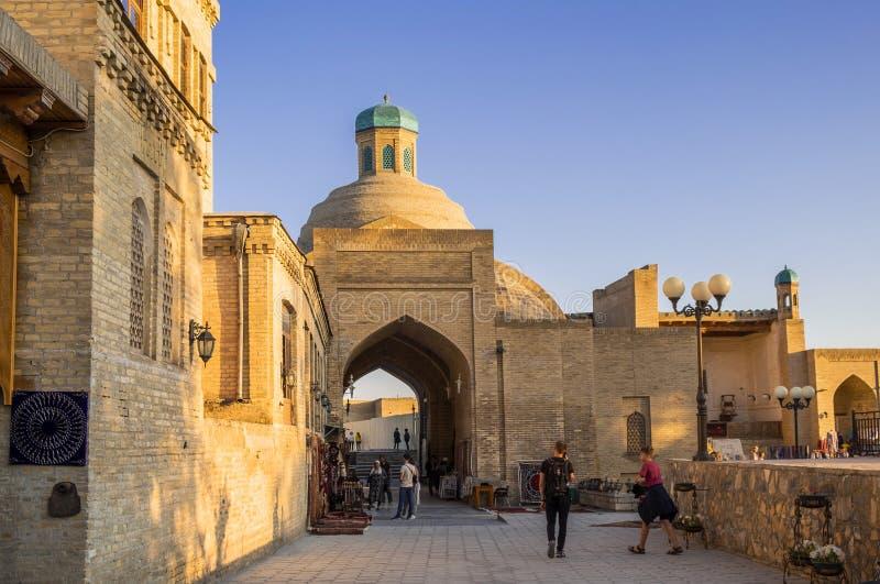 Stary centrum miasta Bukhara Bukhara Uzbekistan, Maj -, 01 2019 - zdjęcie stock