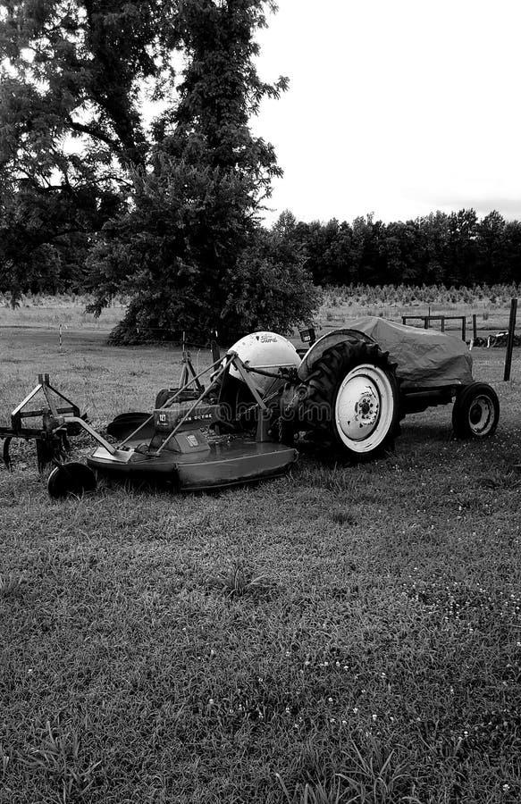 stary ciągnik rolniczy obraz royalty free