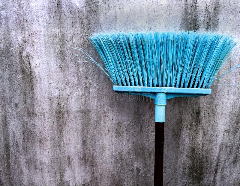 Stary Cyan Plastikowy Broomstick obraz royalty free