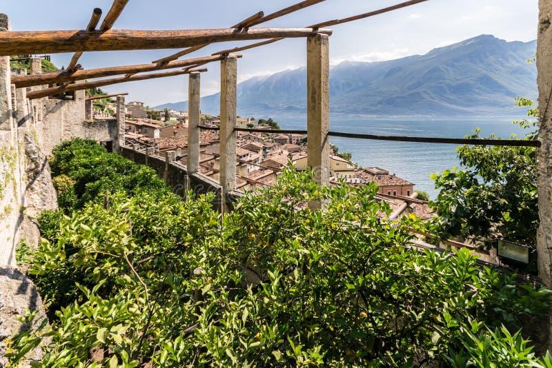 Stary cytryna dom w Limone sul Garda, Włochy fotografia royalty free