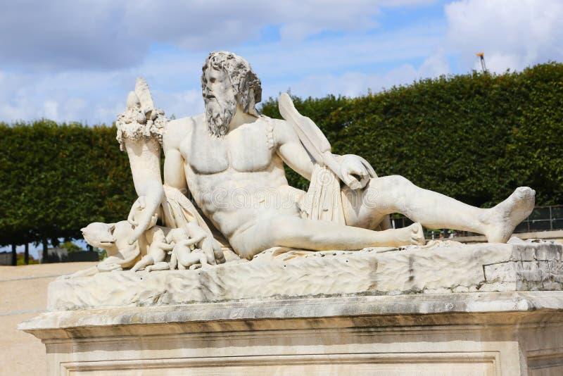 Stary Człowiek statua - Paryż fotografia stock