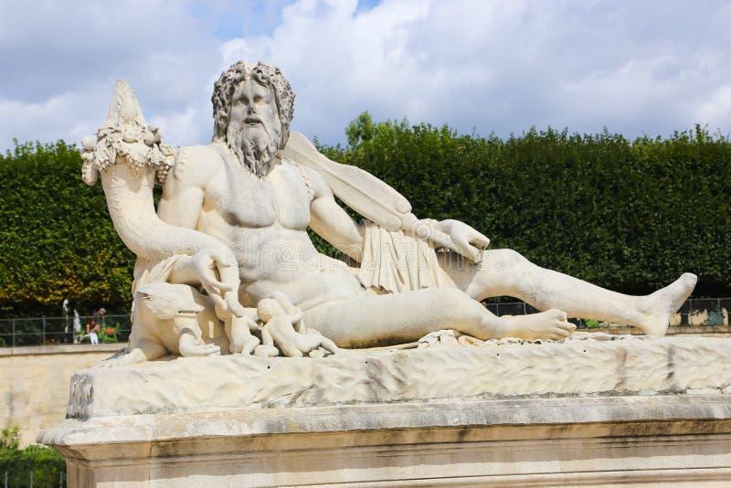 Stary Człowiek statua - Paryż obrazy stock