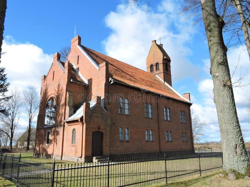 Stary czerwony kościół, Lithuania fotografia royalty free