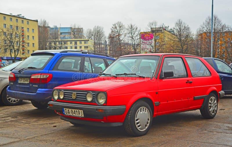 Stary czerwony wolkswagen II parkujący obrazy royalty free