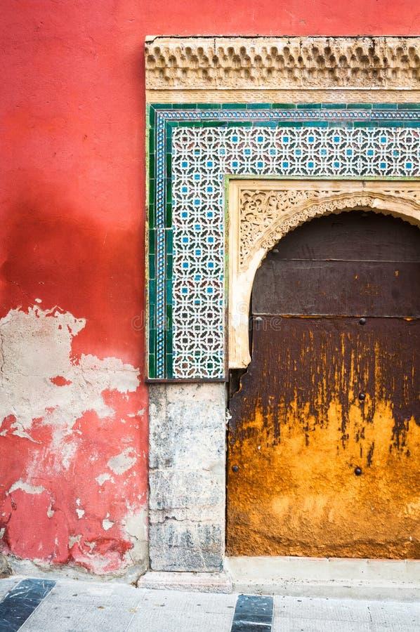 Stary Dekorujący Betonowy wejście zdjęcie royalty free