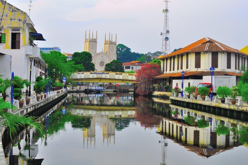 Download Stary Dom I Budynek Przy Melaka Rzeki Miastem Zdjęcie Stock Editorial - Obraz: 30534898