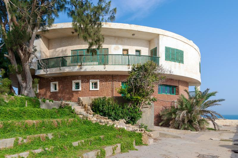 Stary dom morzem przy Montaza parkiem, Aleksandria, Egipt, znać jako willa Mr Hussein El Shafei opóźniona rozpusta - prezydent Eg zdjęcia royalty free