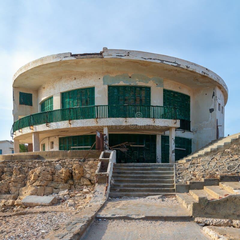 Stary dom morzem przy Montaza parkiem, Aleksandria, Egipt, znać jako willa Mr Hussein El Shafei opóźniona rozpusta - prezydent Eg obrazy stock