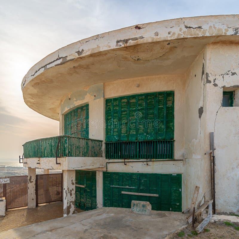 Stary dom morzem przy Montaza parkiem, Aleksandria, Egipt, znać jako willa Mr Hussein El Shafei opóźniona rozpusta - prezydent Eg obraz stock