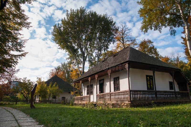 stary dom na wsi zdjęcie royalty free