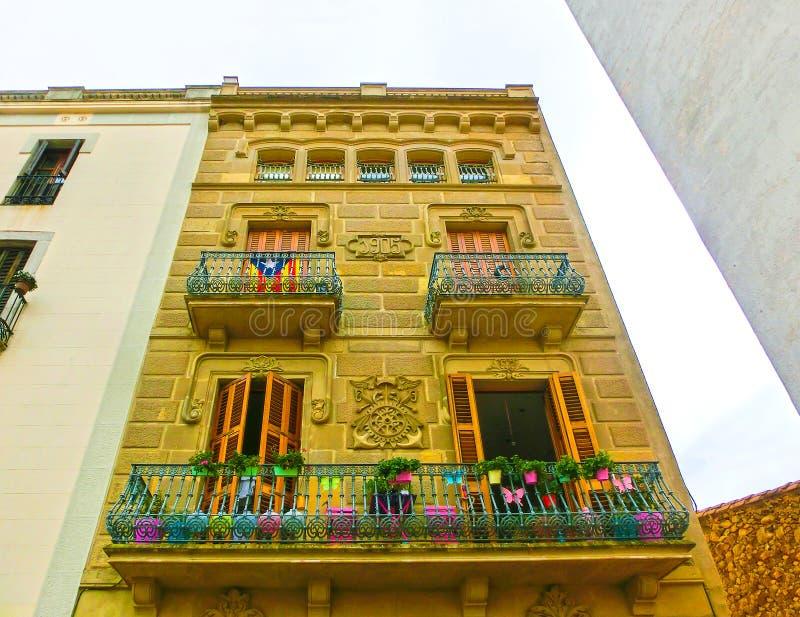 Stary dom przy Tossa De Mar starym miasteczkiem w Costa Brava Catalonia obraz stock