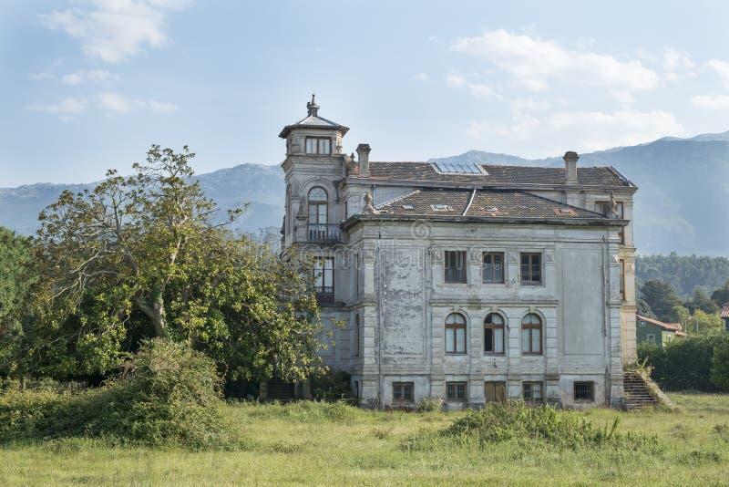 Stary dom w Asturias, Hiszpania zdjęcia stock