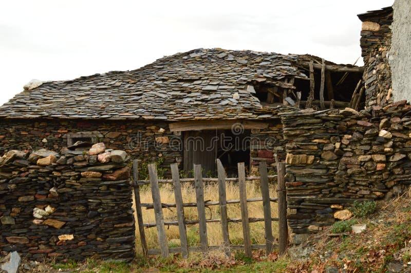 Stary dom xviii wiek Praktycznie Wyburzający W Becerril Budynek architektury podróż fotografia stock