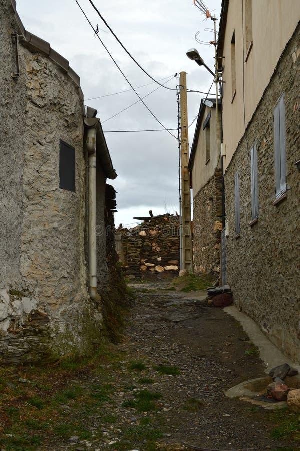 Stary dom xviii wiek Praktycznie Wyburzający W Becerril Budynek architektury podróż fotografia royalty free