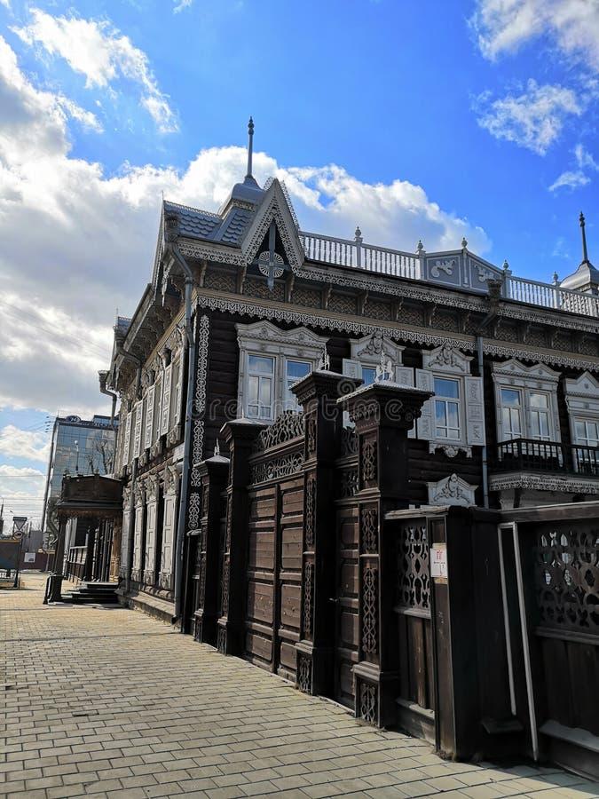 Stary domowy Irkutsk, Dziejowego i architektonicznego kompleksu dom Europa, «, herbaciany muzeum Grudzień ulicy ev irkutsk Russia zdjęcie stock