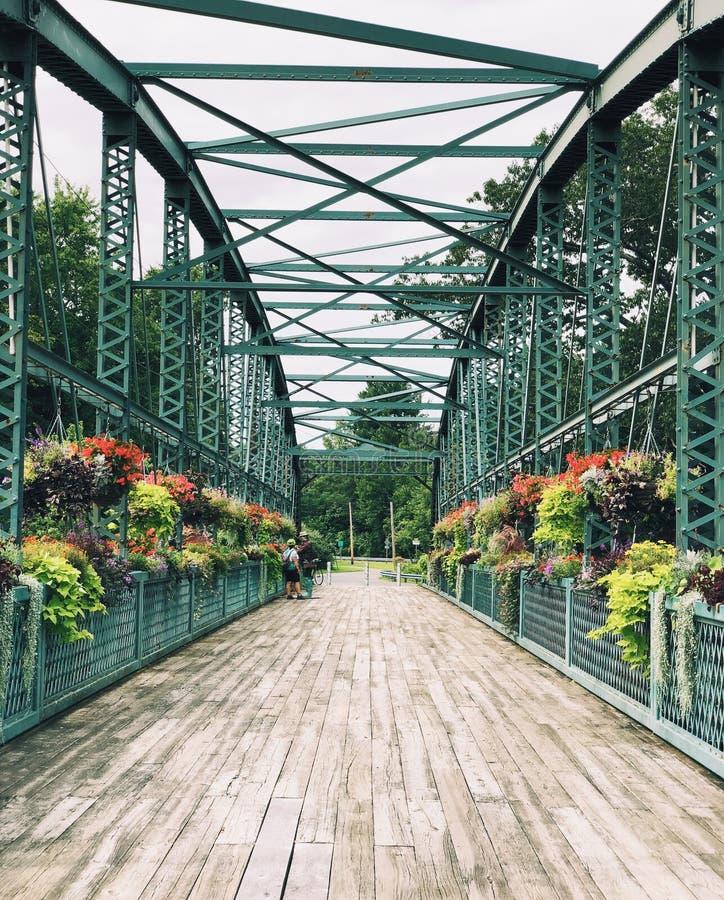 Stary Drake wzgórza kwiatu most w Connecticut fotografia stock