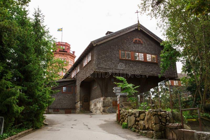 Stary drewniany dom i Bredablick wierza zdjęcie stock