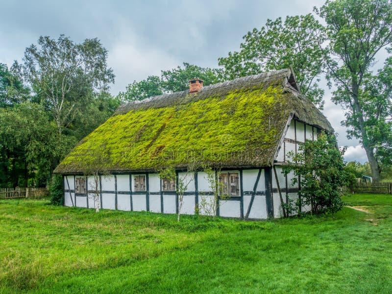 Stary drewniany domostwo w Kluki, Polska obrazy royalty free