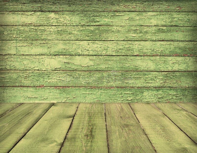 Stary drewniany izbowy wnętrze, zielony tło zdjęcie stock