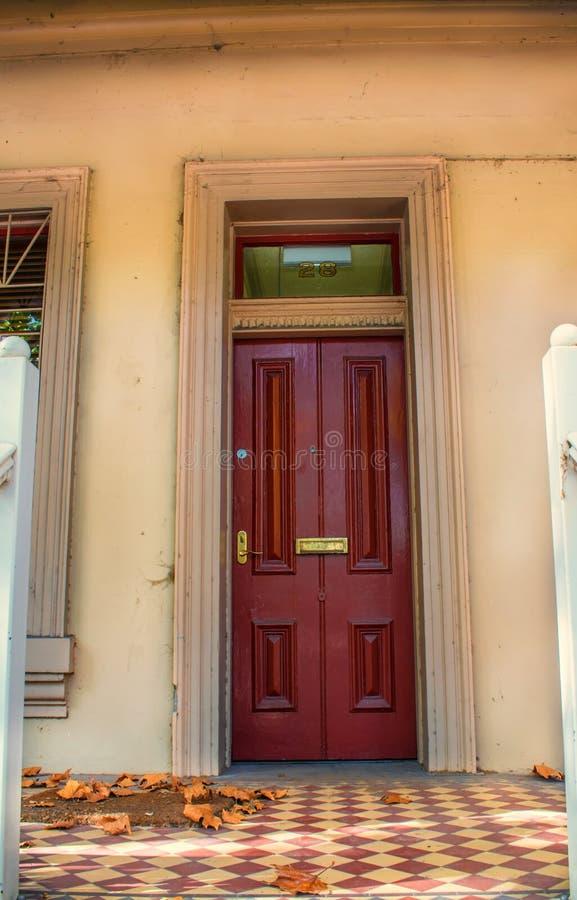 Stary drzwi i płytki obraz stock