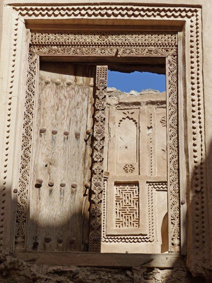 Stary drzwi w Al Minzafah, Oman obraz stock
