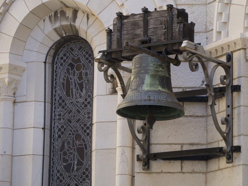 Stary dzwon przy Prince& x27; s pałac Monaco zdjęcia royalty free