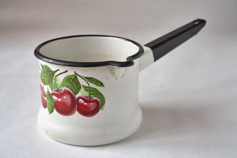 Stary emaliowy cookware zdjęcia royalty free