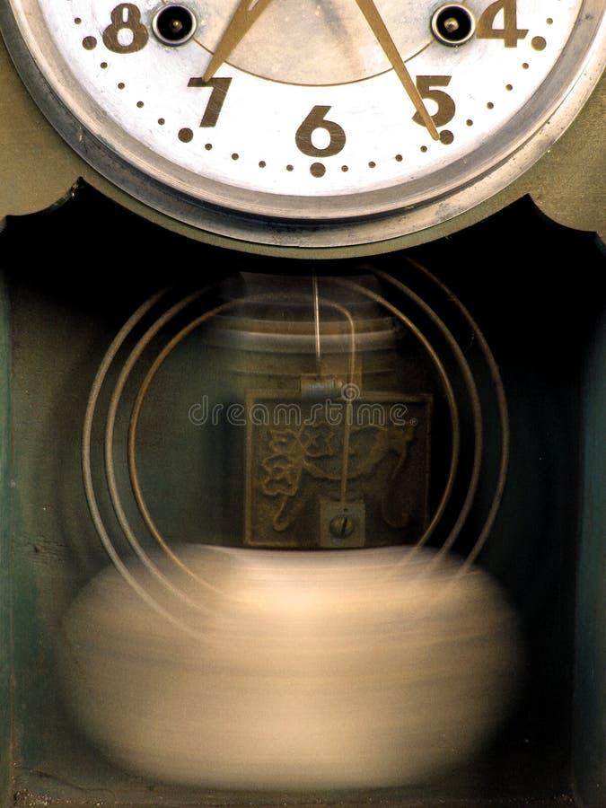 stary fasonujący zegar. fotografia royalty free
