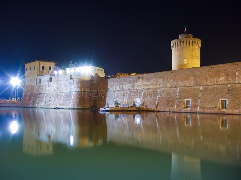 Stary forteca nocą w Leghorn, Włochy fotografia royalty free