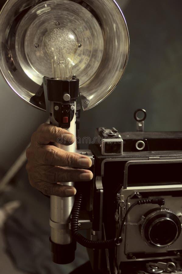 Stary fotograf z starą kamerą fotografia royalty free