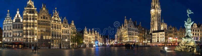 Stary grodzki Antwerp Belgium w wiecz?r definicji wysokiej panoramie obraz royalty free