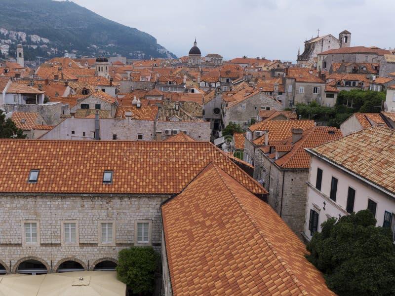 Stary grodzki Dubrovnik Chorwacja, well utrzymywał średniowiecznych kamiennych budynki obrazy royalty free