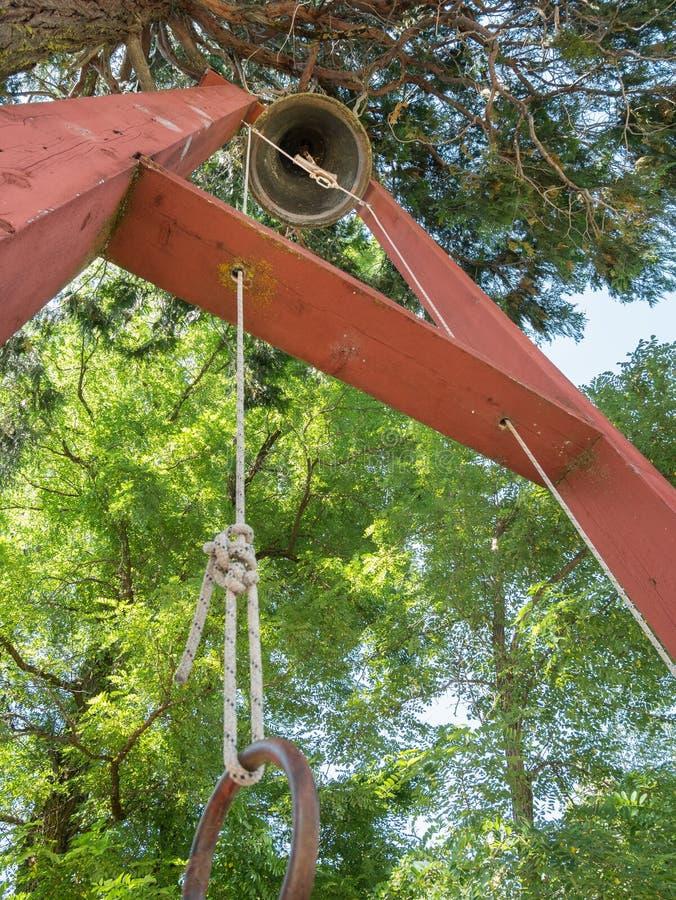 Stary grodzki ostrzegawczy dzwon zdjęcia stock