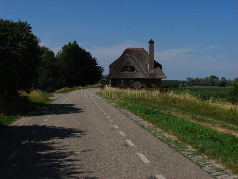 Stary Haus z słoma dachem zdjęcie stock