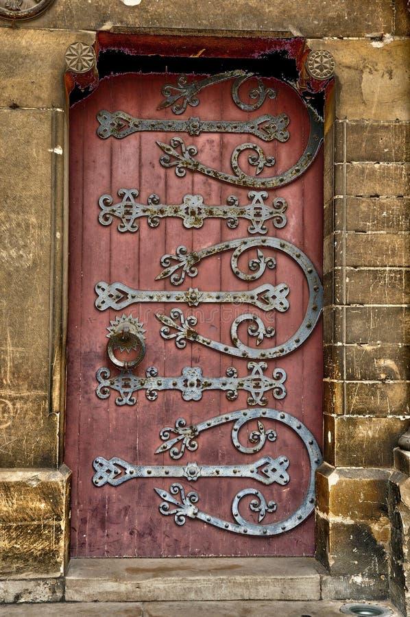 Stary i dziejowy drzwi w France zdjęcia stock