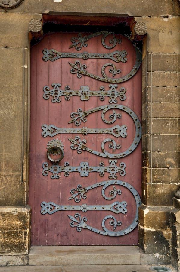Stary i dziejowy drzwi w France zdjęcie royalty free