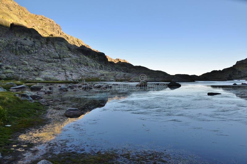 stary jeziora łodzi rybackich zdjęcie stock