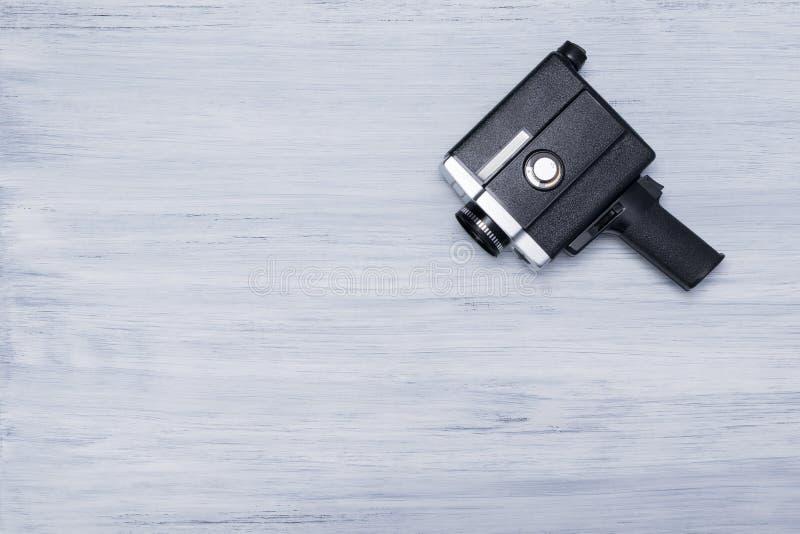 Stary kamera wideo na świetle - szary tło obraz royalty free