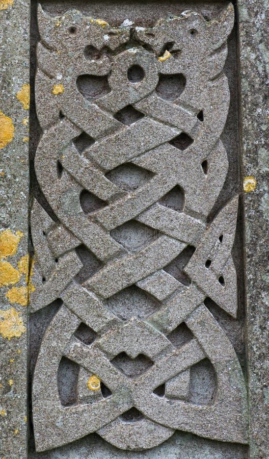 Stary kamień rzeźbiący Celtycki smoka projekt obraz stock