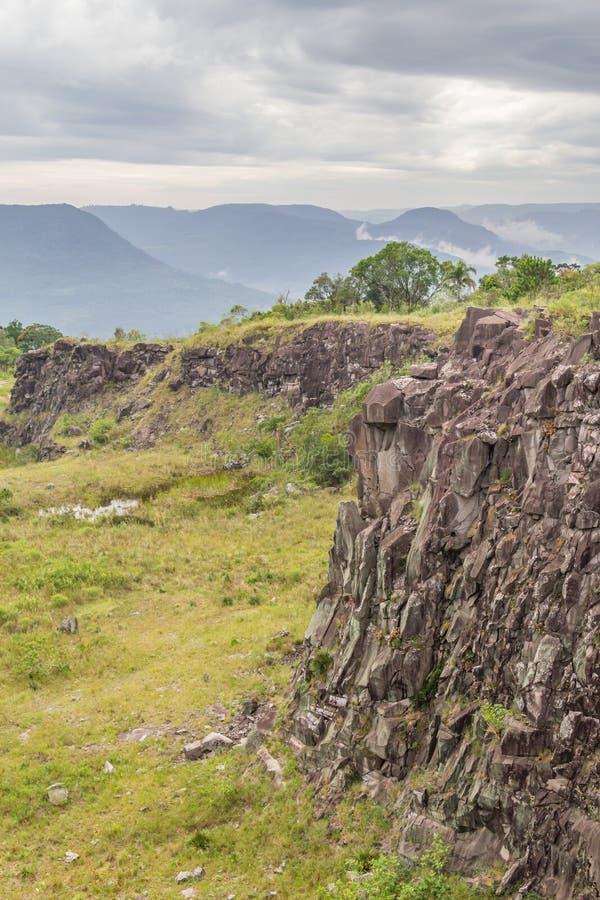 Stary Kamienny łup w Morro robi gauczo góry krajobrazowi zdjęcia royalty free