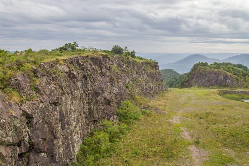 Stary Kamienny łup w Morro robi gauczo góry krajobrazowi fotografia royalty free