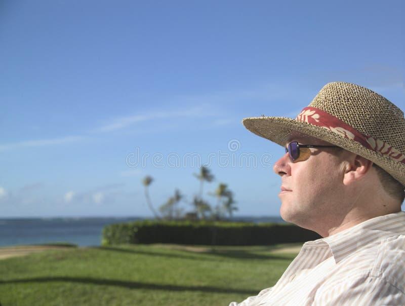 stary kapelusz na plaży zdjęcia royalty free