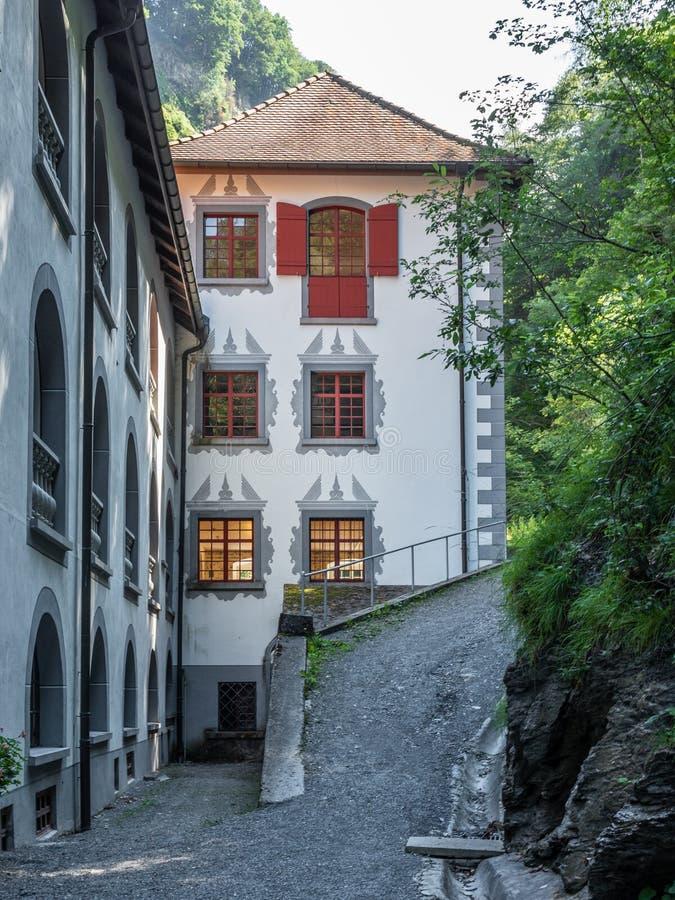 Stary klasztor Benedectine i uzdrowiciel Złych Pfaeferów w Szwajcarii obraz royalty free